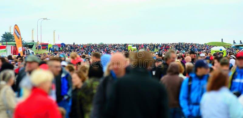 Толпа посетителей стоковые фото