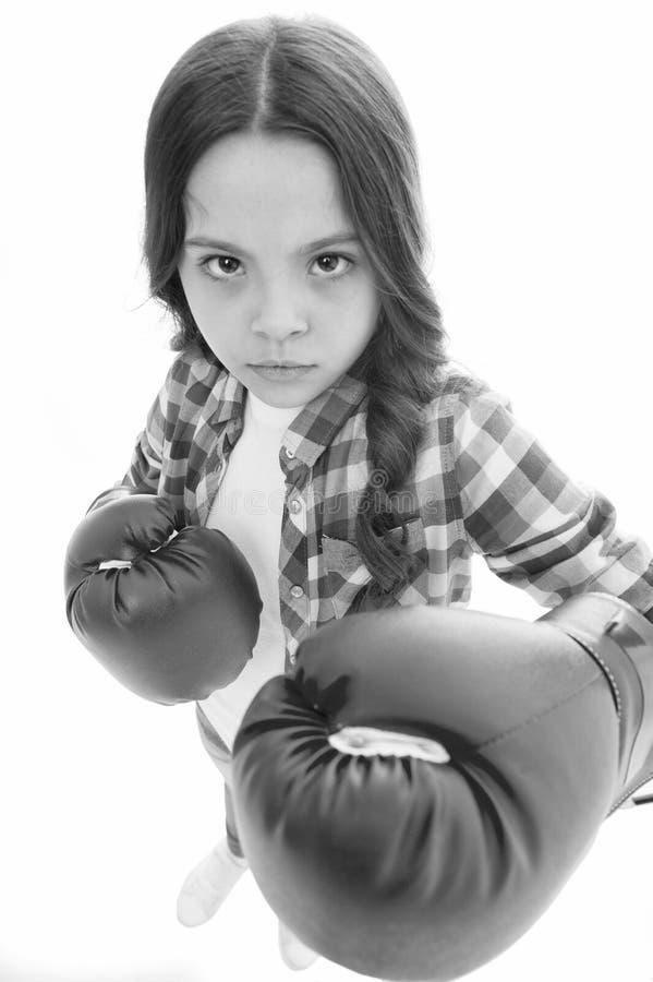 То что я думаю Сила девушек Каждый ребенк должен суметь как защитите для того чтобы иметь точку зрения Девушка серьезно защищая е стоковая фотография