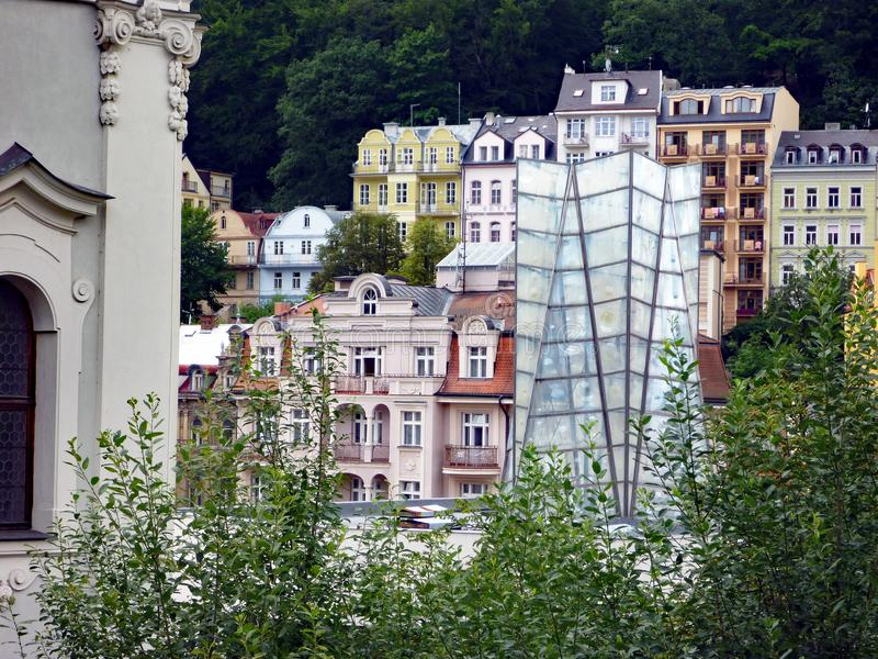 Традиционная архитектура в историческом Karlovy меняет, чехия стоковые фото