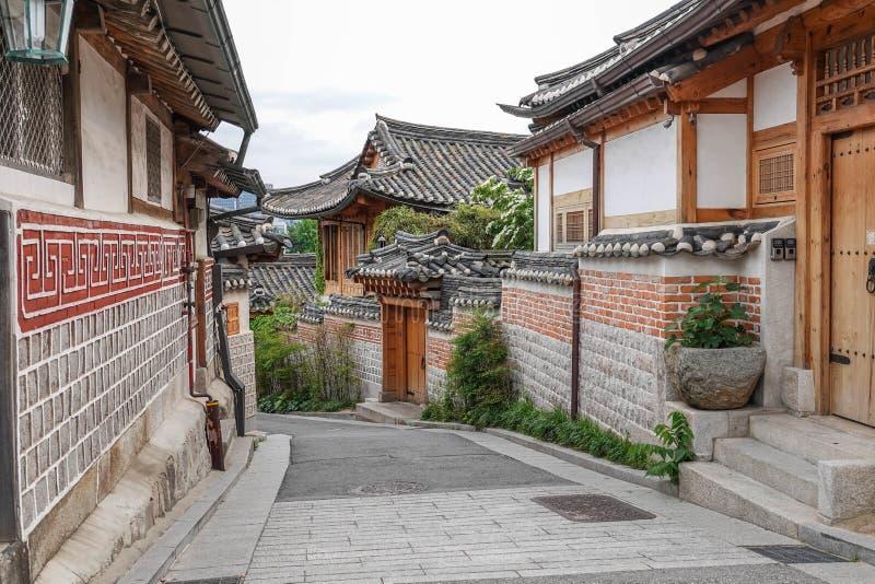 Традиционная деревня Bukchon фольклорная в Южной Корее стоковые фото