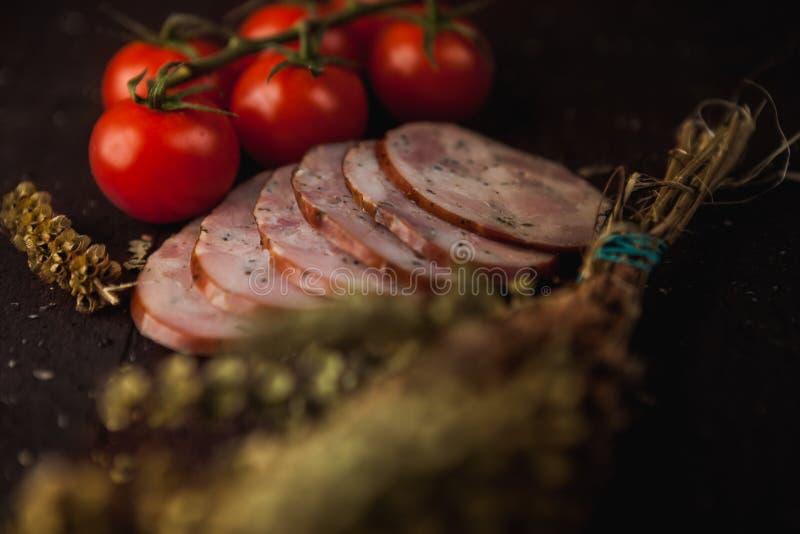 Традиционная простая еда настроила с мясом и овощами стоковая фотография rf