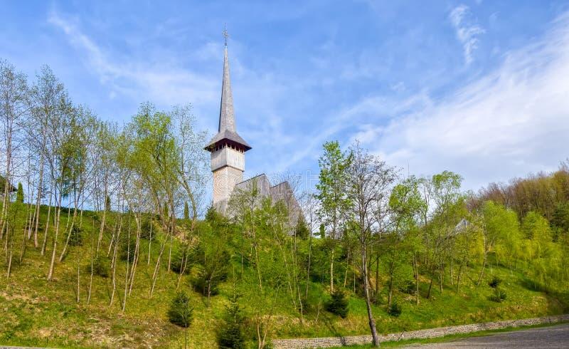 Традиционная церковь Maramures деревянная в монастыре Barsana, Румынии стоковая фотография