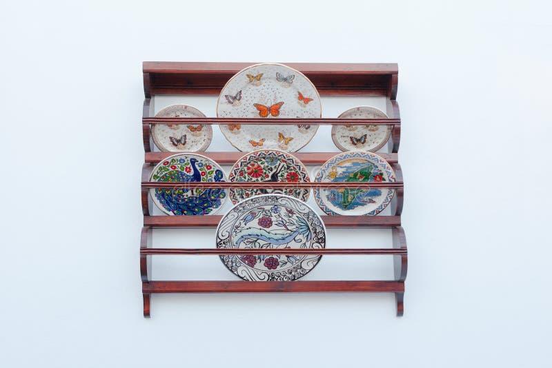 Традиционные керамические плиты стоковые фотографии rf