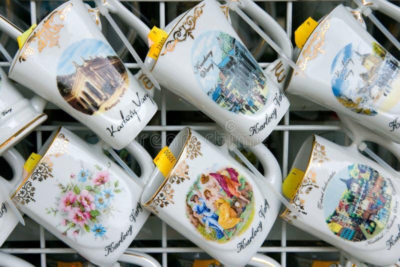 Традиционные чашки в курортном городе Karlovy меняют, западная Богемия, чехословакский r стоковые фото