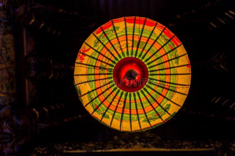 Традиционный китайский украсил фонарик стоковая фотография