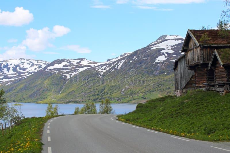 Традиционный норвежский деревянный дом стоковая фотография rf