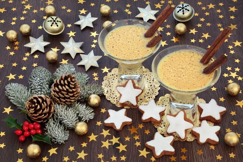 Традиционный eggnog рождества стоковые фотографии rf