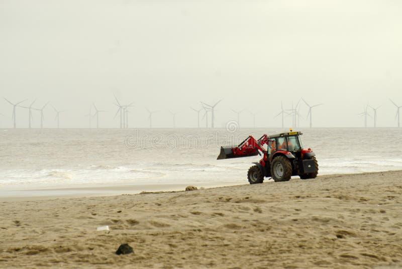 Трактор и ведро Massey Ferguson стоковое изображение