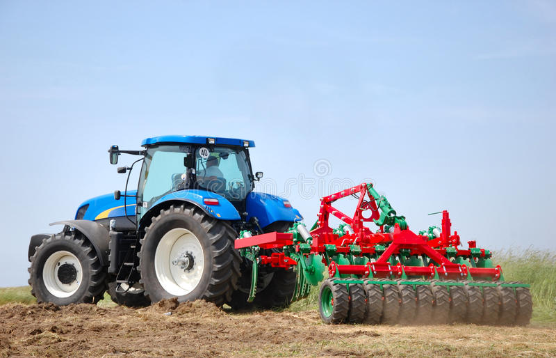 трактор стоковое фото rf