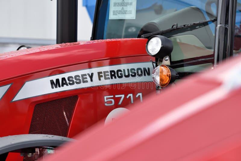 Трактор Massey Ferguson стоковое изображение