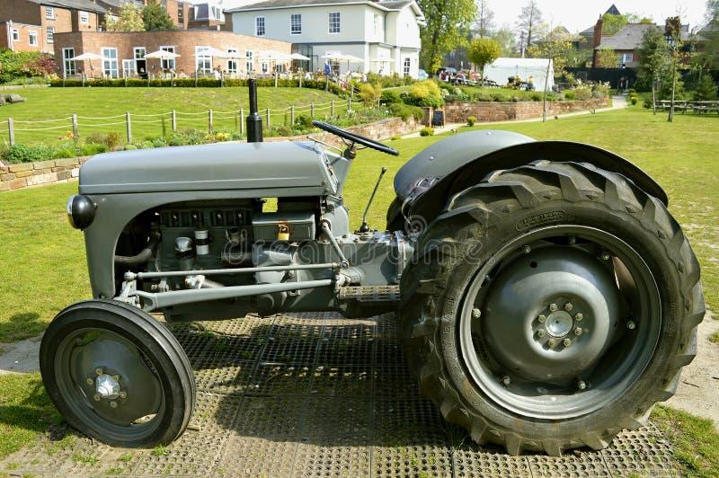 Трактор N-серий Форд-Ferguson стоковая фотография