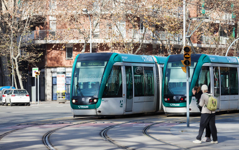 Трамваи на улице в Барселоне стоковое изображение
