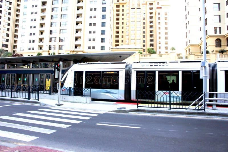 Трамвайная остановка на Дубай стоковые фото