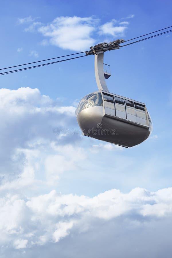 Трамвай антенны Портленда стоковая фотография