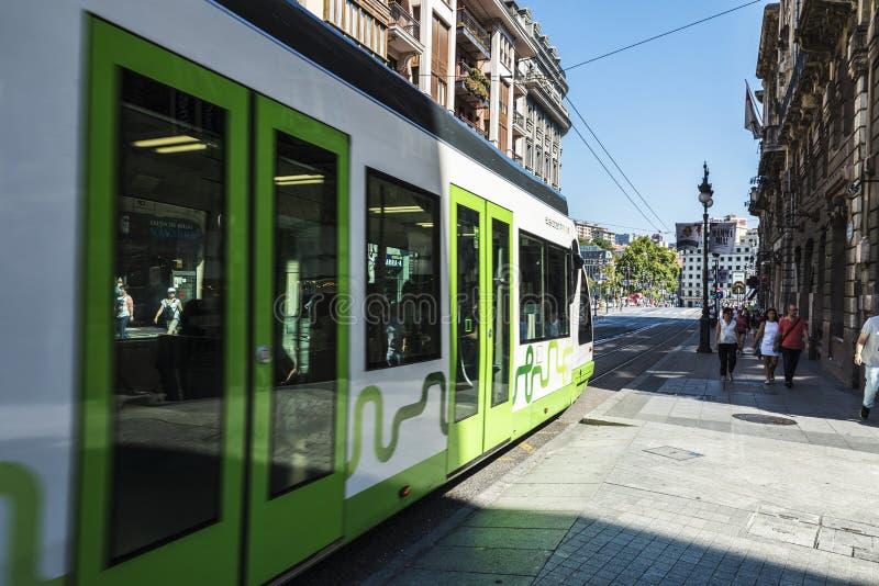 Трамвай в Бильбао, Испании стоковые изображения