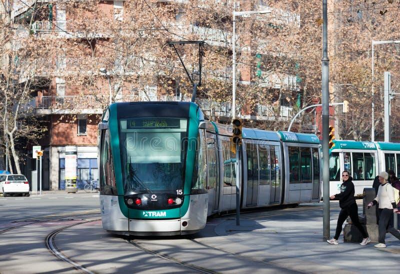 Трамвай на улице на Барселоне в зиме стоковые изображения