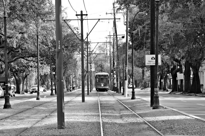 Трамвай причаливая к стопу, Новому Орлеану, Луизиане стоковые изображения rf