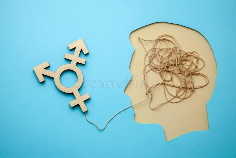 Трансгендерный символа Голова с мыслями изменяя секса или любов для противоположного пола стоковые изображения rf