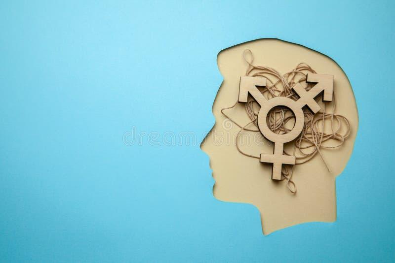 Трансгендерный символа Голова с мыслями изменяя секса или любов для противоположного пола стоковое изображение rf