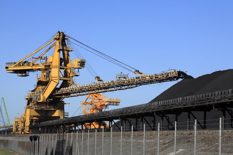 транспортер угля пояса стоковые фотографии rf