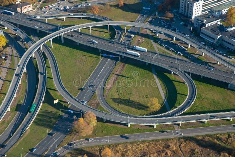 Транспортная развязка, Рига над взглядом Воздушный ландшафт nn стоковое изображение rf