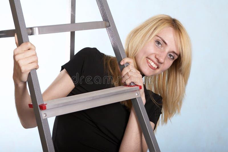 трап стоя под женщиной стоковое фото rf