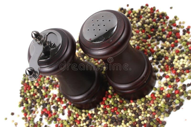 Download Трасучка соли и перца стоковое фото. изображение насчитывающей утвари - 17609412