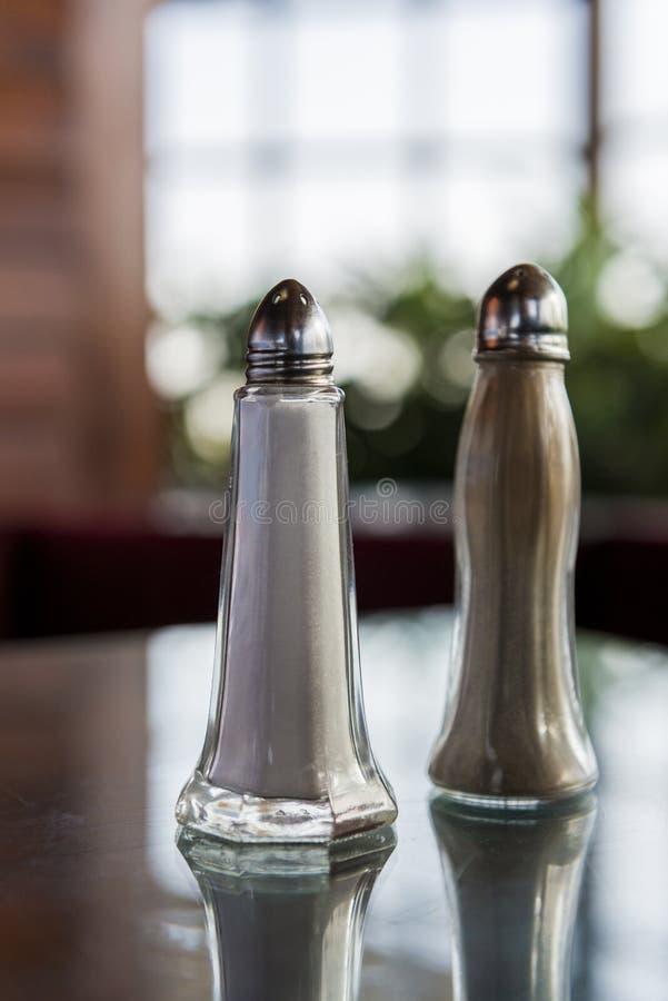 Трасучки соли и перца стоковые фотографии rf