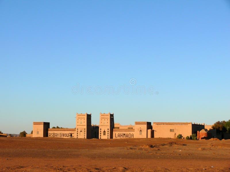 Традиционная гостиница в пустыне Сахары марокканца стоковая фотография rf