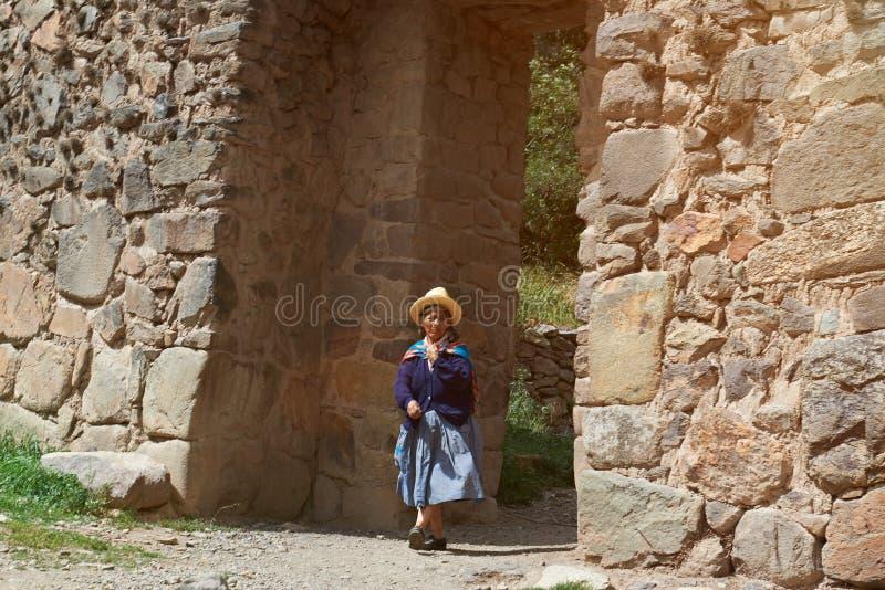 Традиционная перуанская женщина стоковое фото