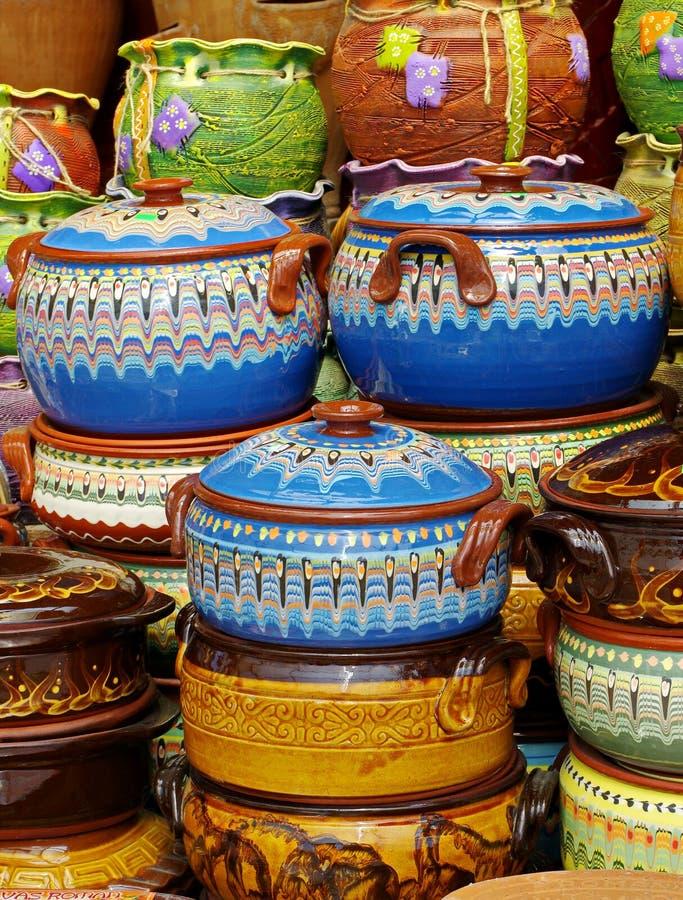Традиционная покрашенная гончарня стоковое фото