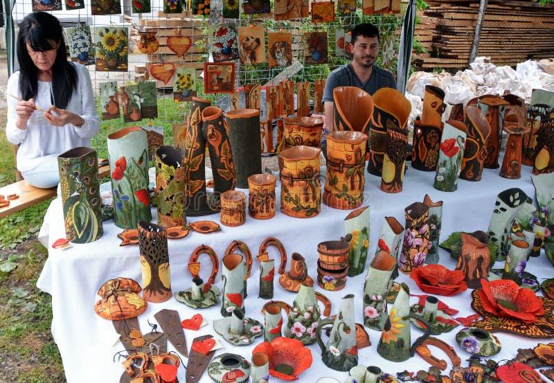 традиционное гончарни румынское стоковые изображения