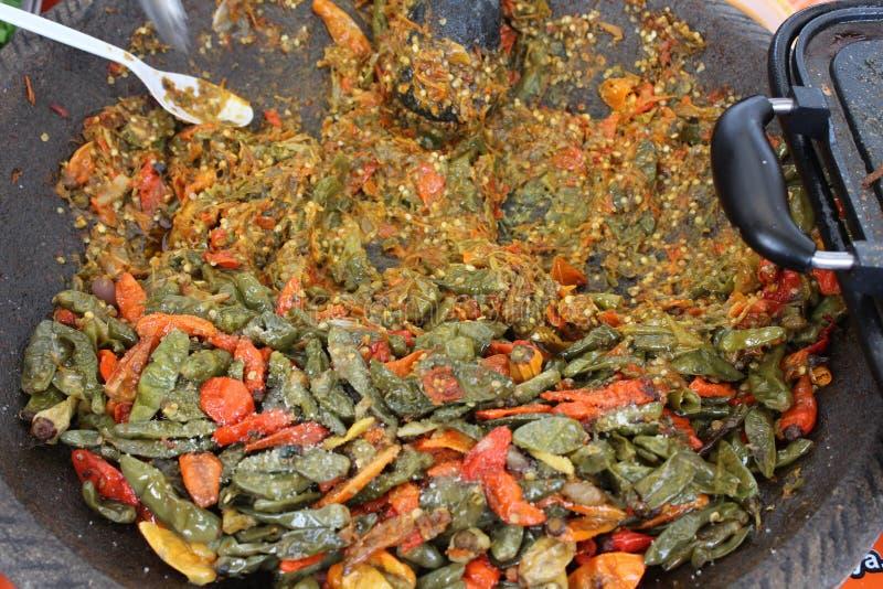 Традиционное индонезийское sambal rujak соуса чилей фаст-фуда закусок пряное стоковая фотография