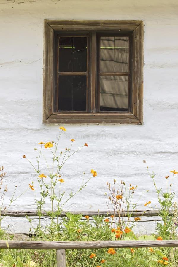 традиционное дома румынское стоковые изображения