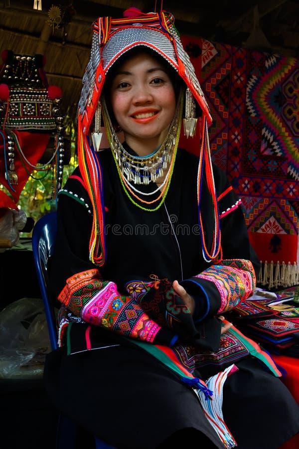 Традиционно одетая женщина племени холма Akha стоковые фотографии rf