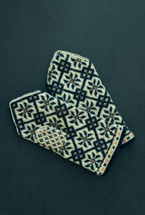 Традиционные латышские mittens стоковое фото rf