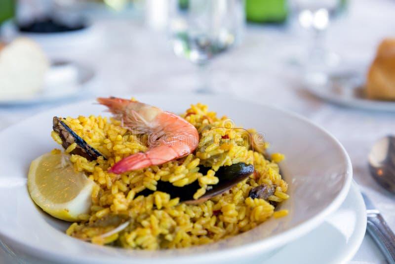 Традиционные испанские морепродукты паэлья стоковое изображение