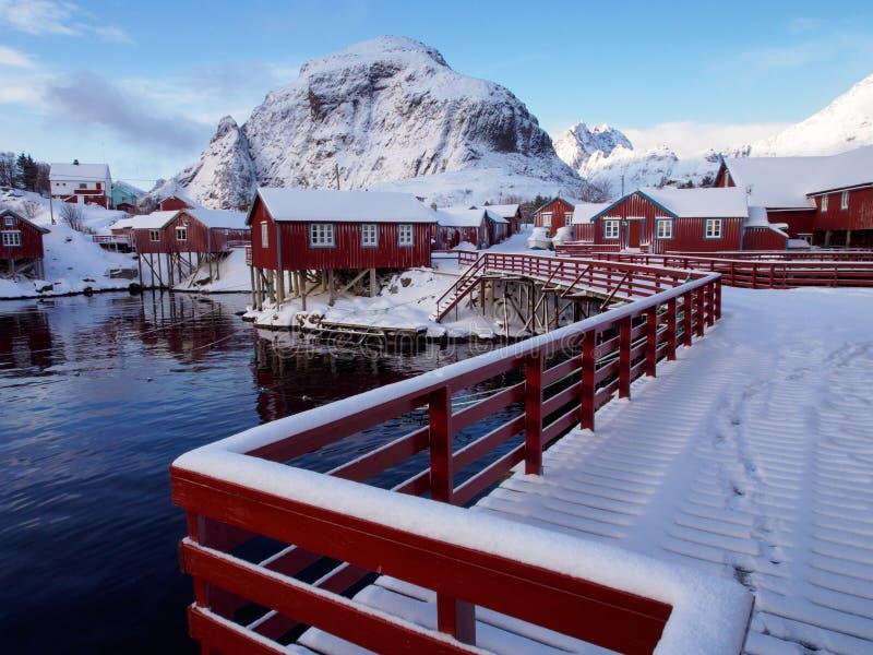 Традиционные кабины ` s рыболовов в деревне Ã… на Lofoten, Норвегии стоковое изображение