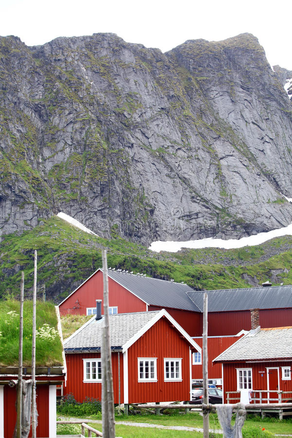 Традиционные дома в Lofoten, Норвегии стоковое изображение rf