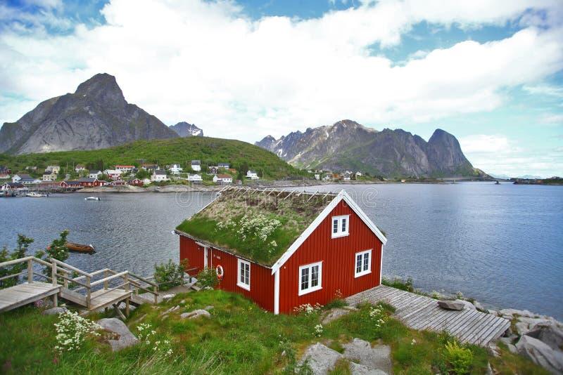 Традиционные дома в Lofoten, Норвегии стоковое изображение