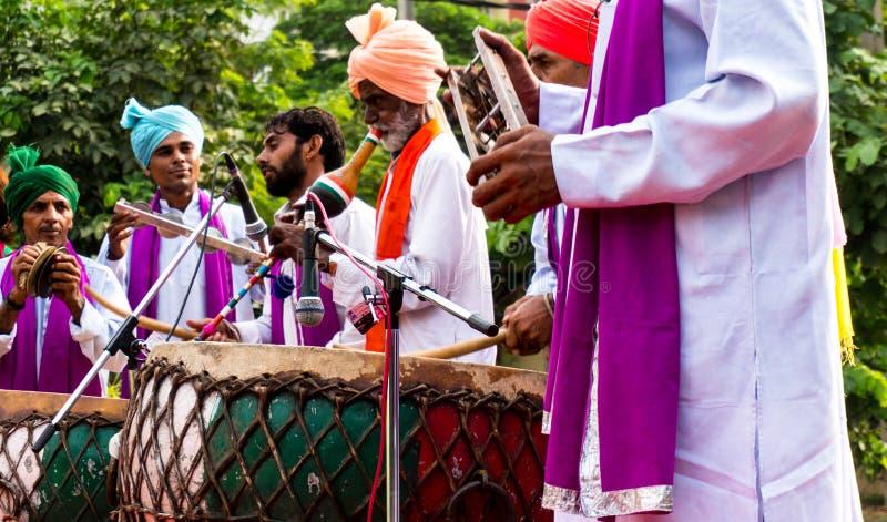 Традиционные северные индийские музыканты стоковая фотография rf