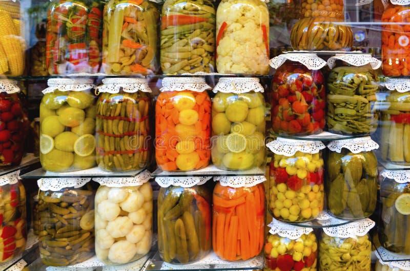 Традиционные турецкие соленья различных фруктов и овощей стоковое фото rf