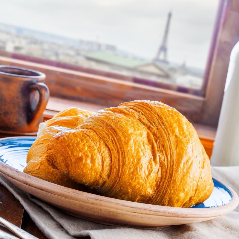 Традиционные французские круассаны стоковые фото