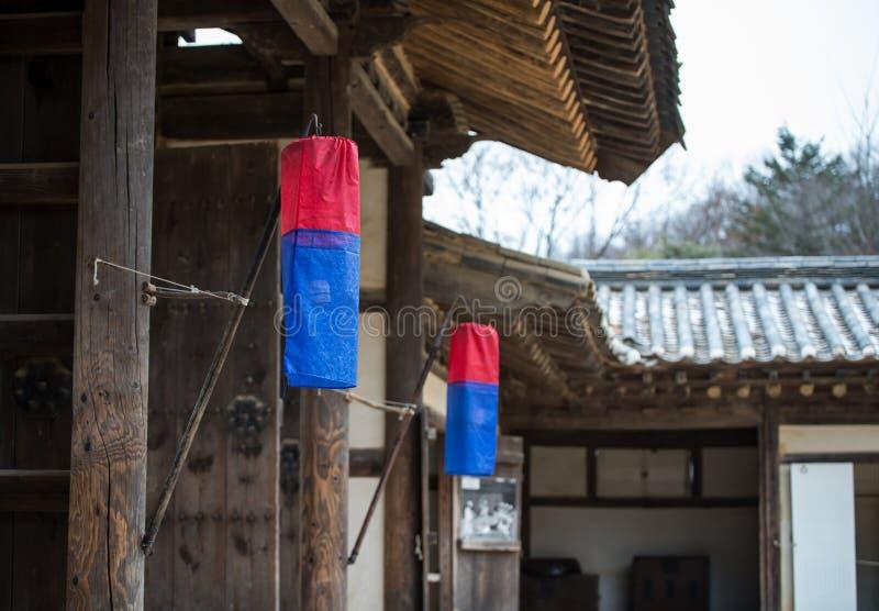 Традиционный корейский уличный фонарь стоковое фото