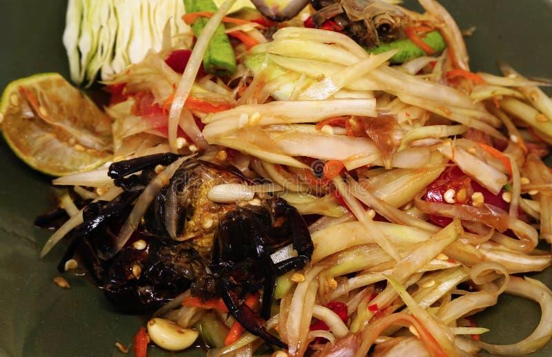 Традиционный дом сделал пряную еду - тайский зеленый салат папапайи стоковое фото
