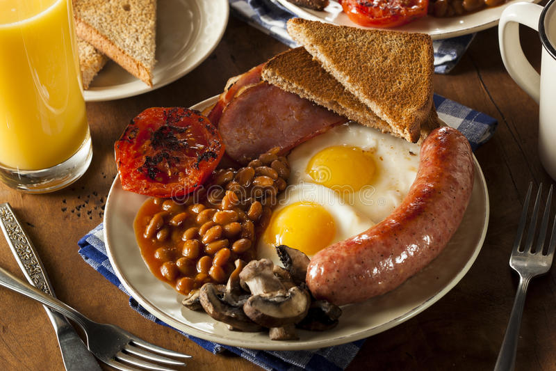 Традиционный польностью английский завтрак стоковое фото