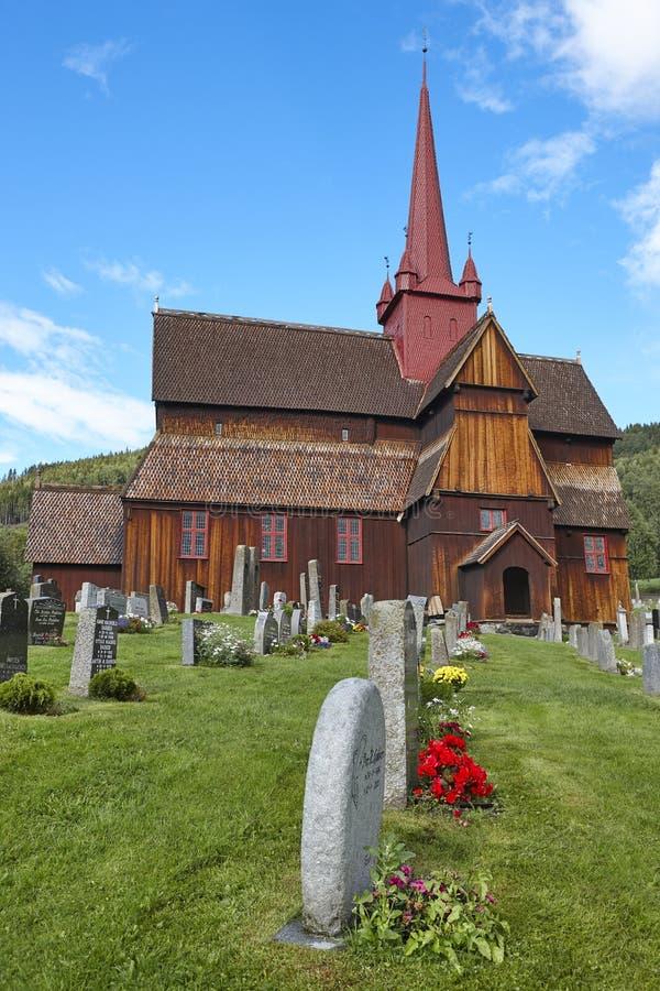 Традиционный средневековый норвежец ударяет церковь Stavkyrkje Ringebu стоковые фото