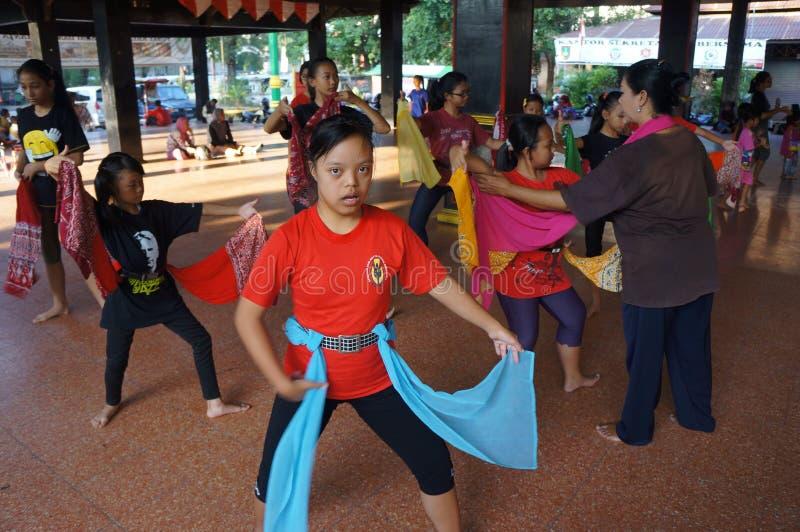 Традиционный танец javanese стоковые фотографии rf