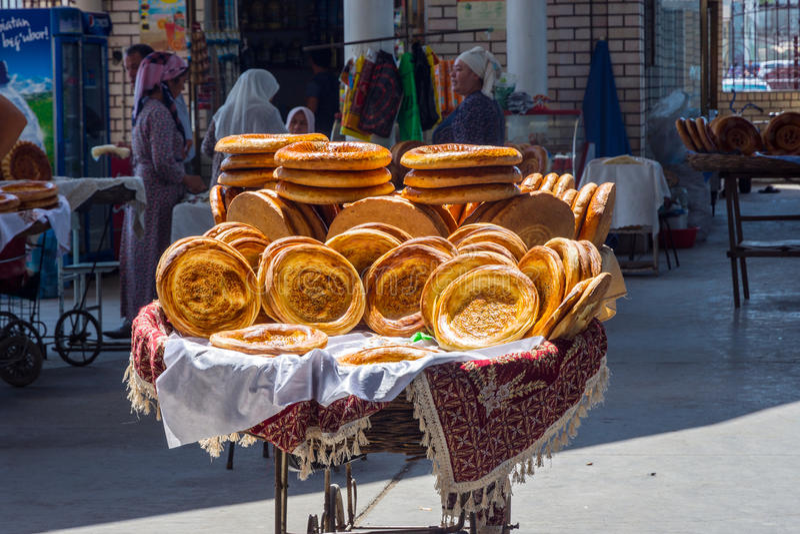 хлеб на базаре в узбекистане фото