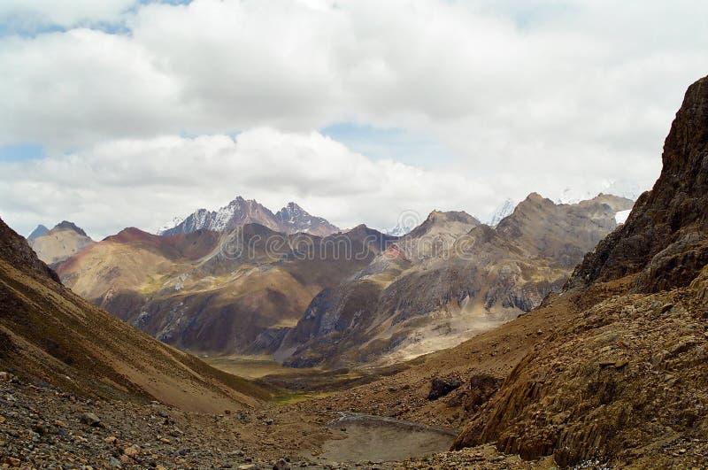 трек Перу huayhuash стоковые фото